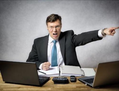 Legittimo il licenziamento del dipendente che ha insultato il superiore.